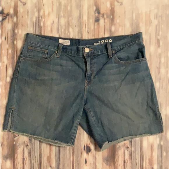 GAP Pants - Gap Oceanside Boyfriend Jean Shorts